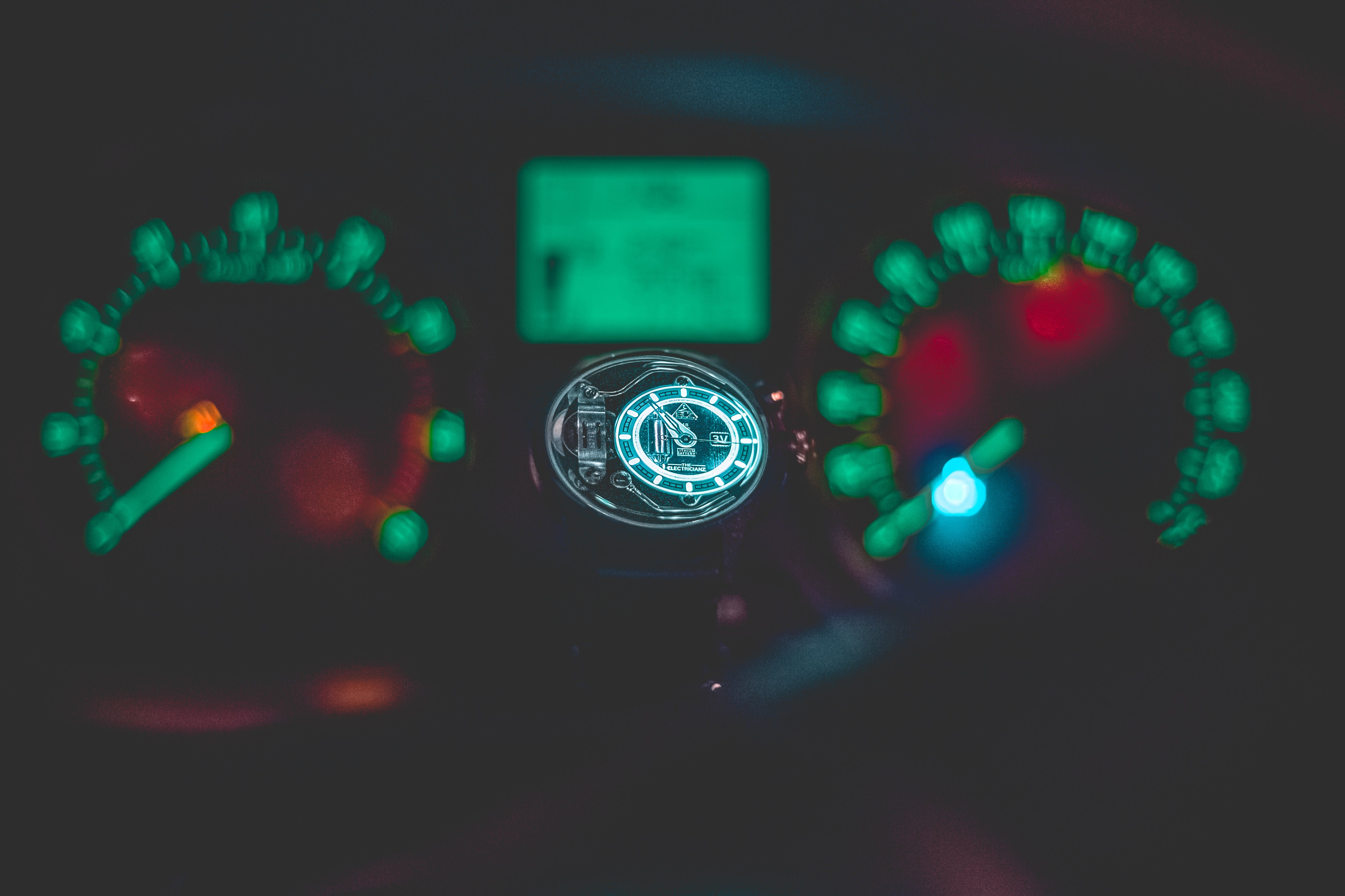 Selective Focus Photography of Speedometer