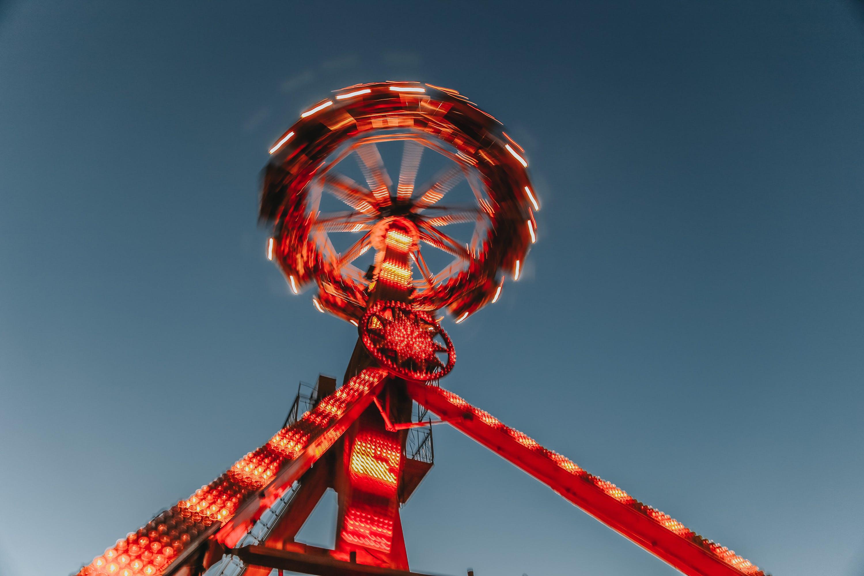Gratis stockfoto met attractiepark, avond, belicht, blauwe lucht