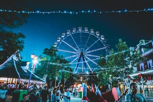 Základová fotografie zdarma na téma dav, festival, karneval, lehký