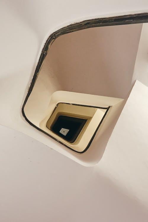 Foto profissional grátis de degraus, perspectiva, tomada de ângulo baixo