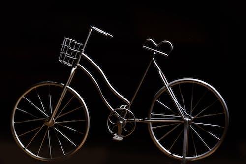 Darmowe zdjęcie z galerii z dekoracja, jasny, jazda na rowerze, rzeźba