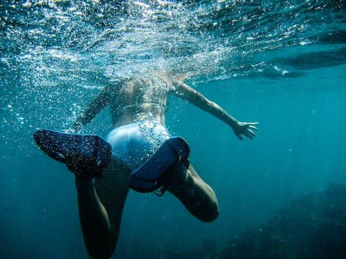 Základová fotografie zdarma na téma moře, mořská voda, osoba, plavání