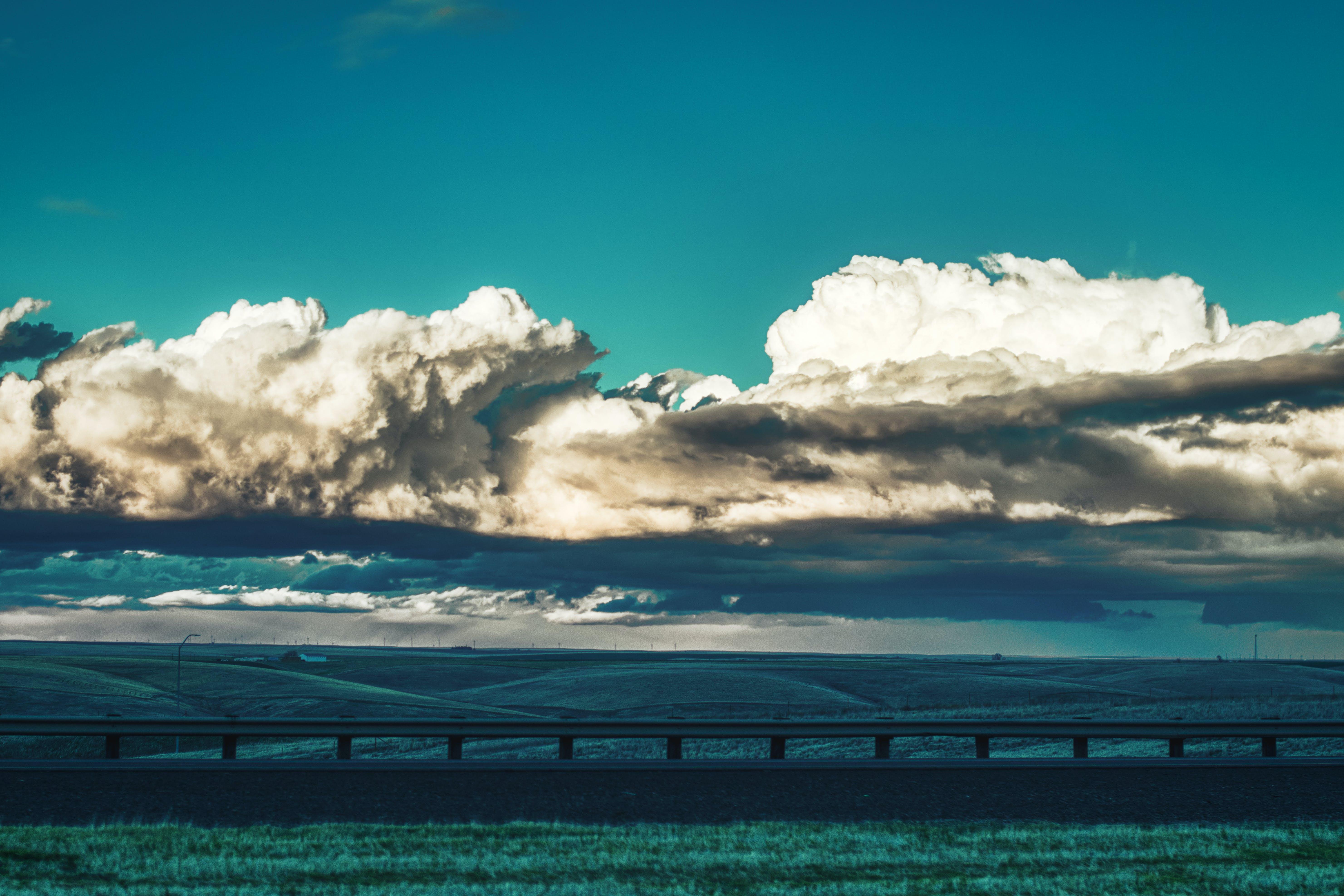 Kostenloses Stock Foto zu autobahn, wolken