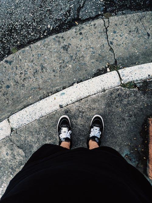 Ingyenes stockfotó cipő, dorkó, láb, lábviselet témában