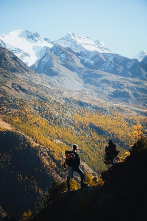 Δωρεάν στοκ φωτογραφιών με άνδρας, άνθρωπος, άτομο, βουνό