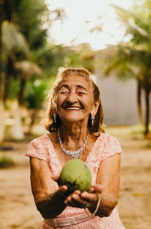 al aire libre, anciana, anciano