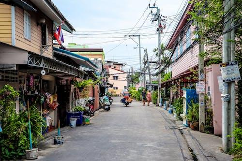 Gratis stockfoto met architectuur, Aziatische mensen, biker, bomen