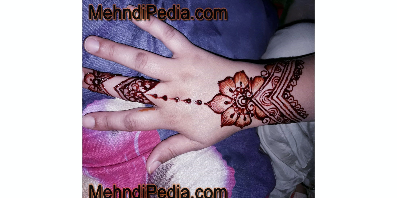 Free stock photo of back hand mehndi designs, easy henna