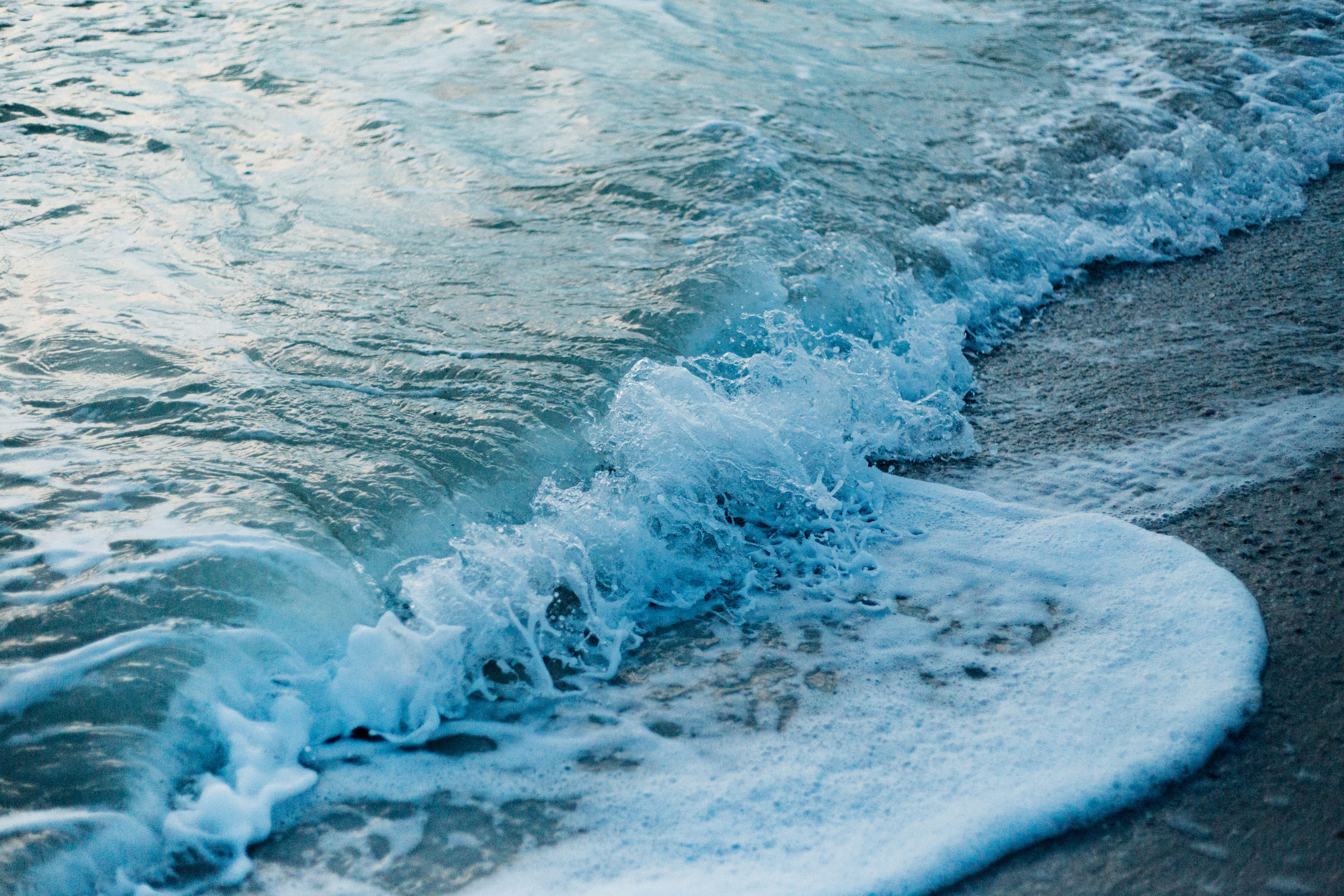 Δωρεάν στοκ φωτογραφιών με άμμος, αφρός της θάλασσας, βουτιά, γαλήνιος