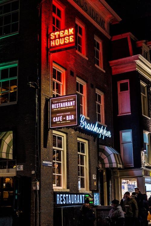 Základová fotografie zdarma na téma Amsterdam, bar, budova, neonové světlo