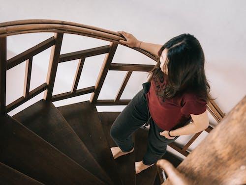 Foto profissional grátis de degraus, escada em espiral, escadaria, escadas