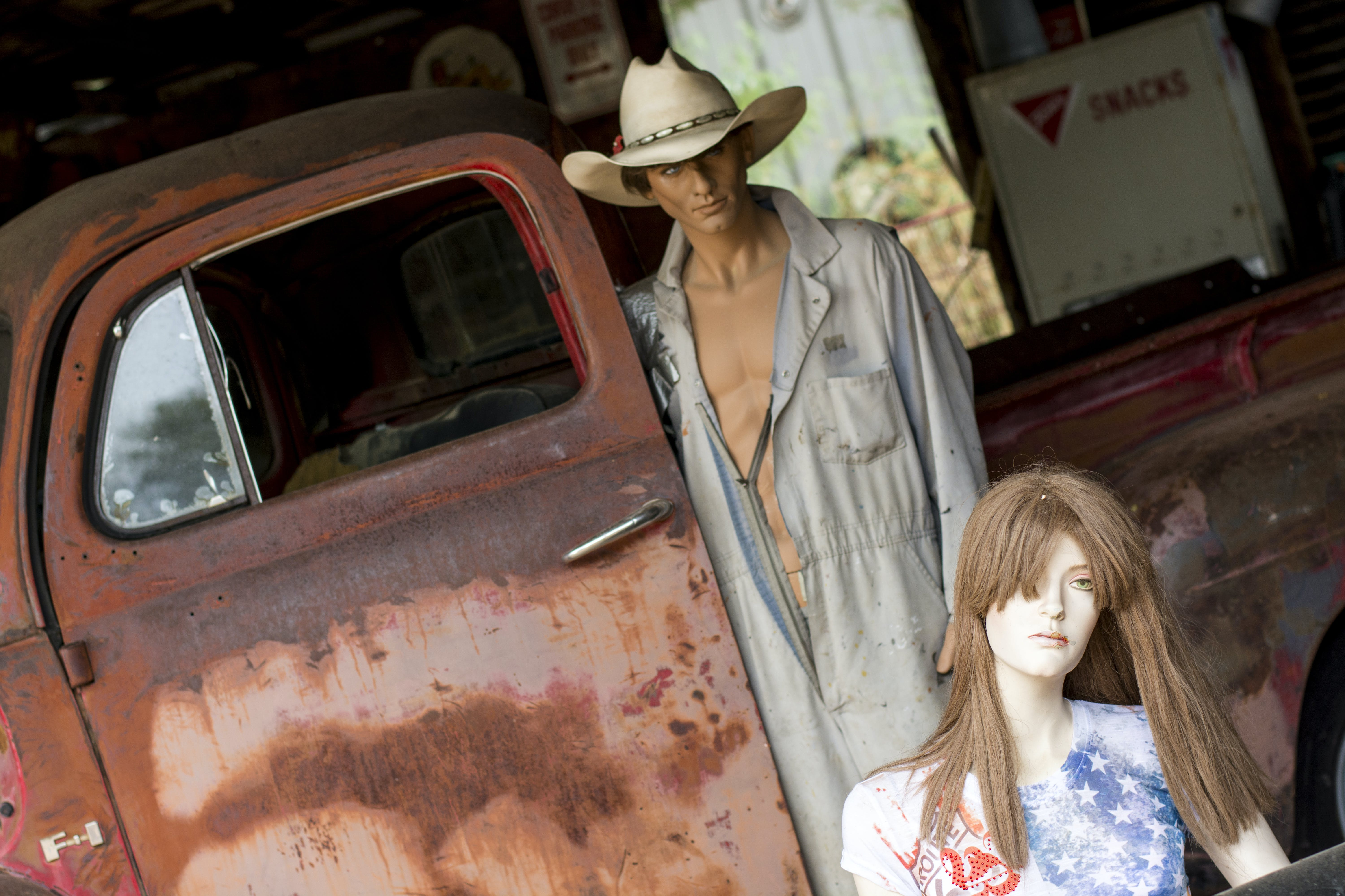 Free stock photo of americana, car, doll, garage