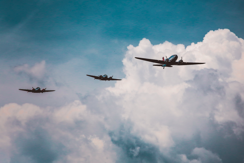 Foto d'estoc gratuïta de aeronaus, aviació, cel, núvols