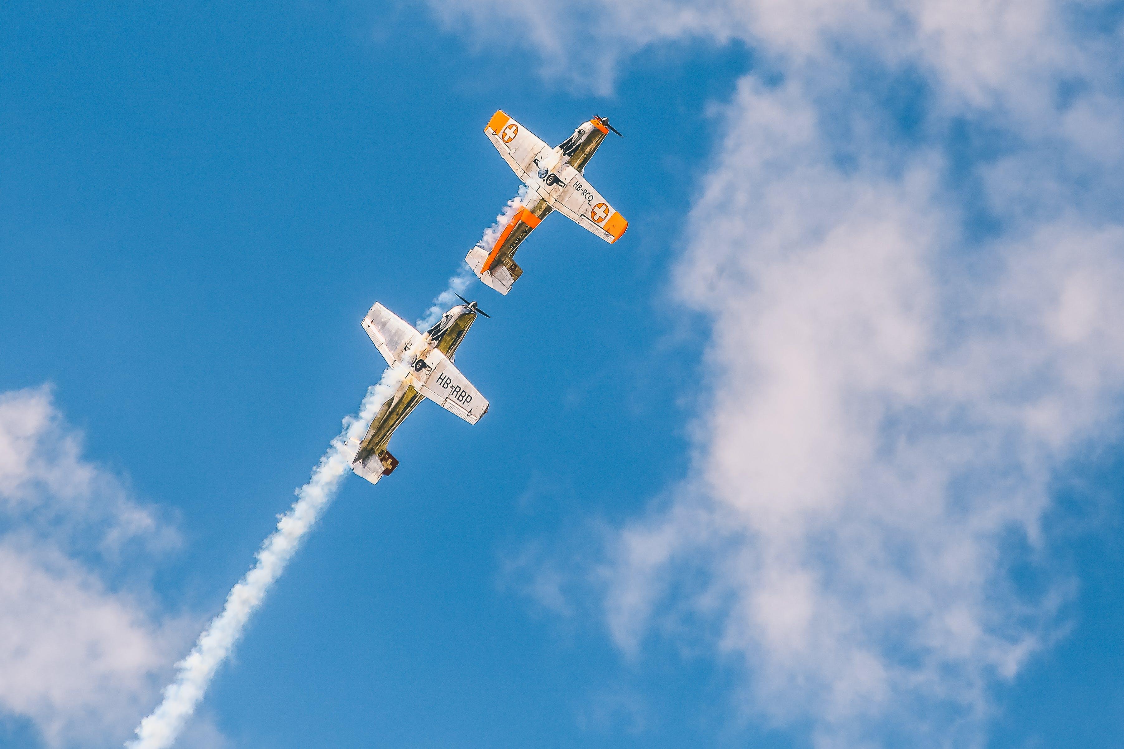 Δωρεάν στοκ φωτογραφιών με αεροπλάνα, αεροπλοΐα, αεροσκάφη, ίχνη συμπύκνωσης