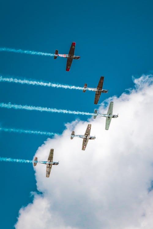 Fotobanka sbezplatnými fotkami na tému dopravný systém, kondenzačné stopy, let, letectvo
