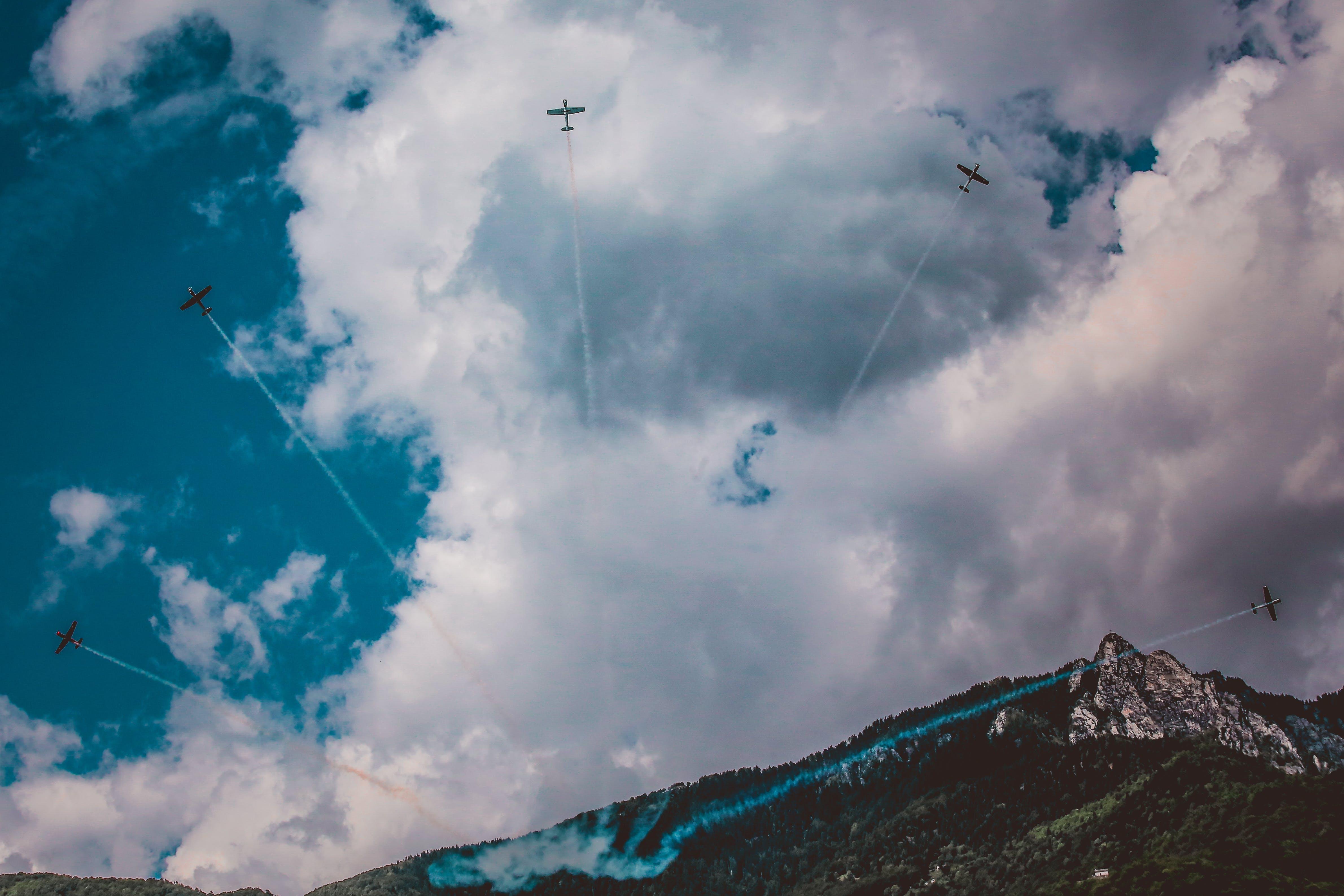 Foto profissional grátis de aeronáutica, aeronaves, carros, céu