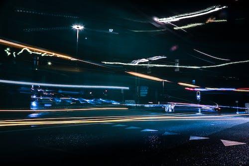 Ingyenes stockfotó éjszaka, fénycsíkok, hosszú expozíció, út témában