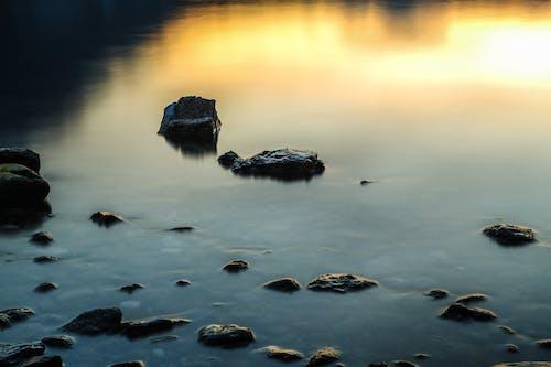 Photos gratuites de cailloux, calme, étendue d'eau, nature