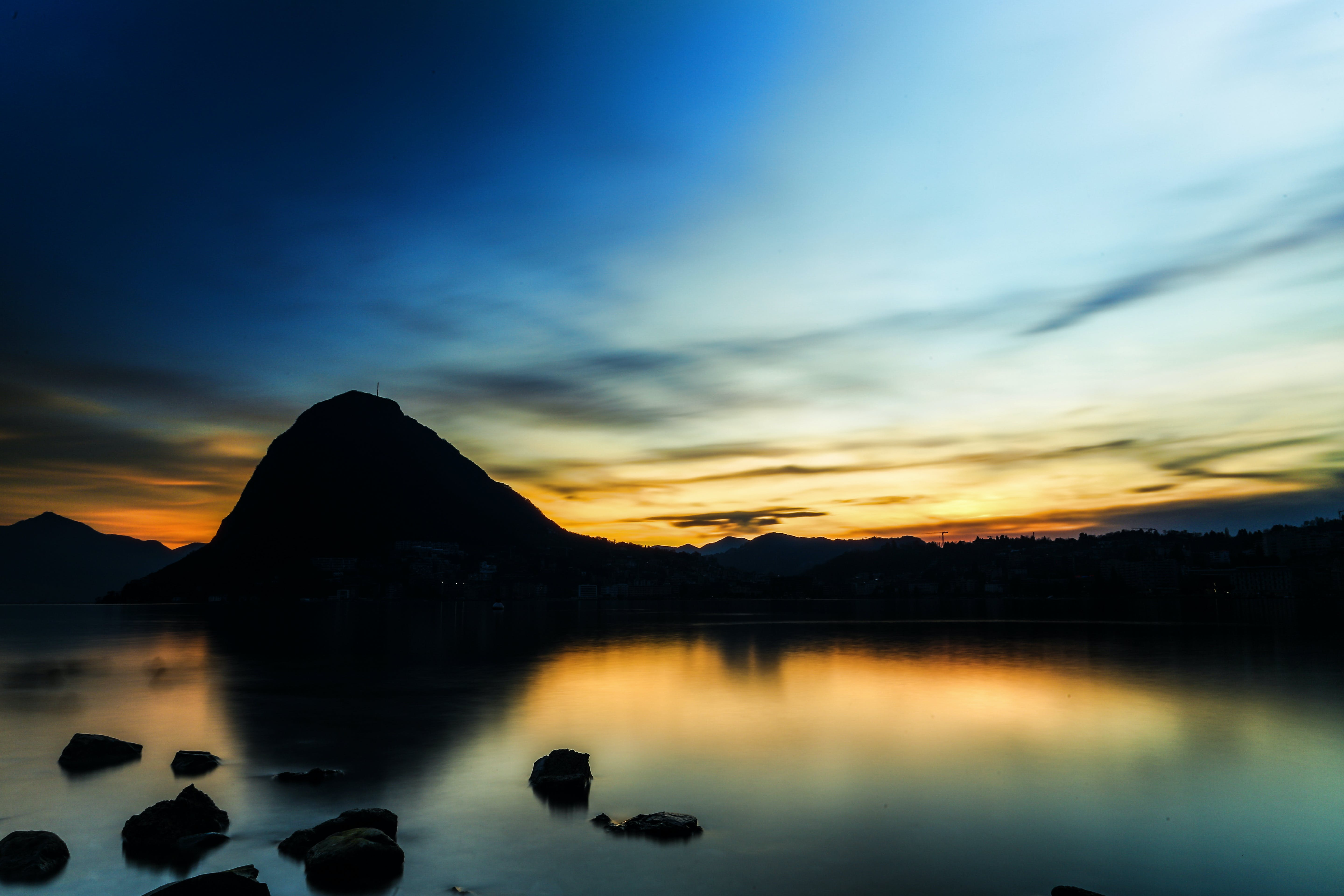 Foto d'estoc gratuïta de alba, capvespre, cos d'aigua, mar