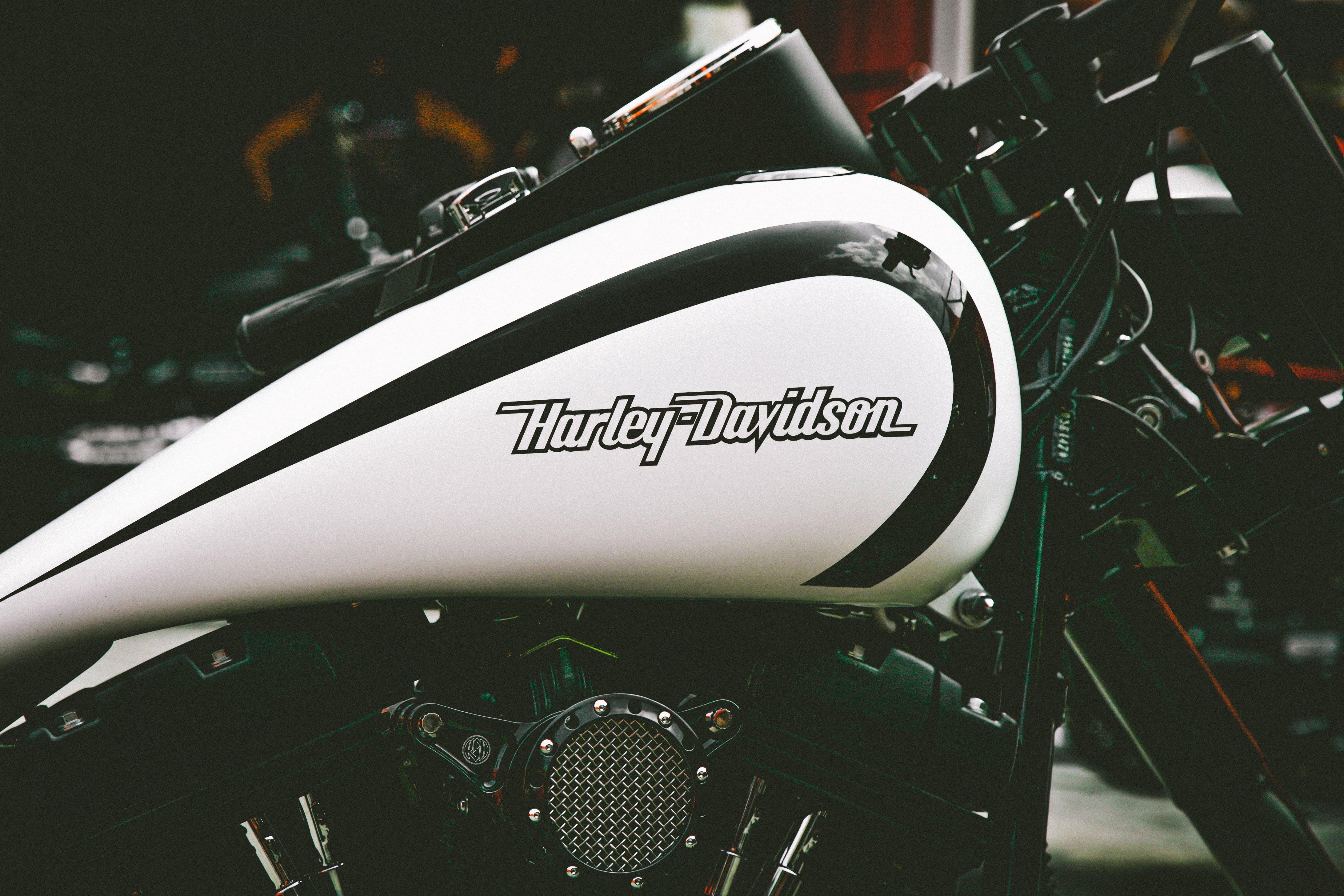 Black and White Harley Davidson Motorbike