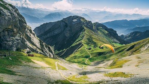 パラグライダー, 山岳, 山脈, 岩の無料の写真素材