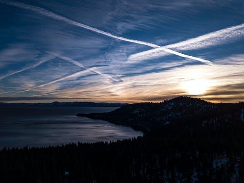Základová fotografie zdarma na téma denní světlo, fotka zvysokého úhlu, hora, krajina