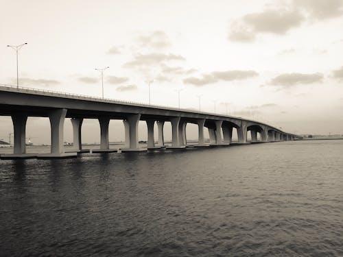 Δωρεάν στοκ φωτογραφιών με αρχιτεκτονική, αυγή, γέφυρα, ήρεμα νερά
