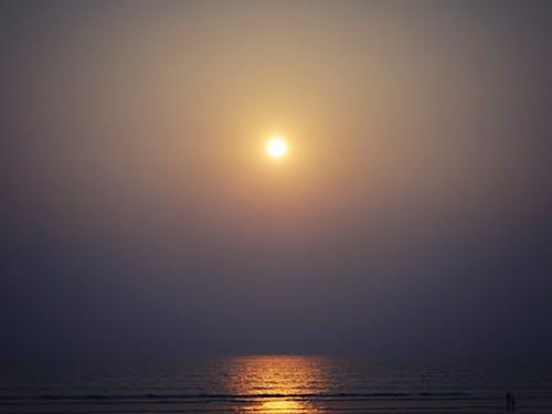 altın rengi Güneş, cox çarşı, gün batımı, plaj içeren Ücretsiz stok fotoğraf