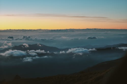 Ingyenes stockfotó felhőtenger, Napkelte, pulag, természet témában