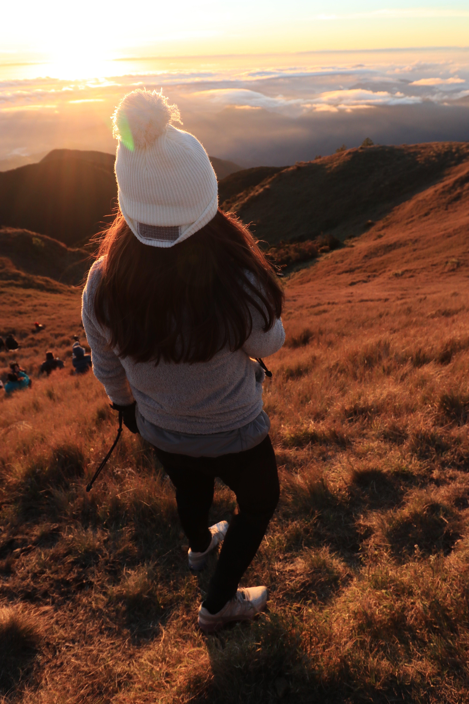 Kostenloses Stock Foto zu abenteuer, berg, frau, mädchen