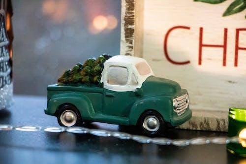 Foto profissional grátis de caminhonete, close, conduzir, decoração de Natal