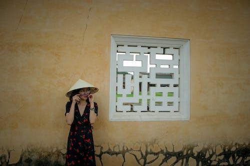 aşındırmak, Asyalı kadın, asyalı kız, bakmak içeren Ücretsiz stok fotoğraf