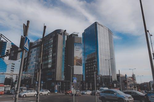 Darmowe zdjęcie z galerii z budynek, estonia, tallinn, ulica