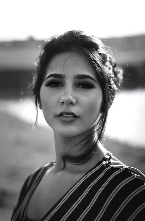 Foto profissional grátis de atraente, atriz, beleza, bonita
