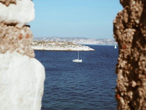 Foto d'estoc gratuïta de aigua, barca, blau, cel