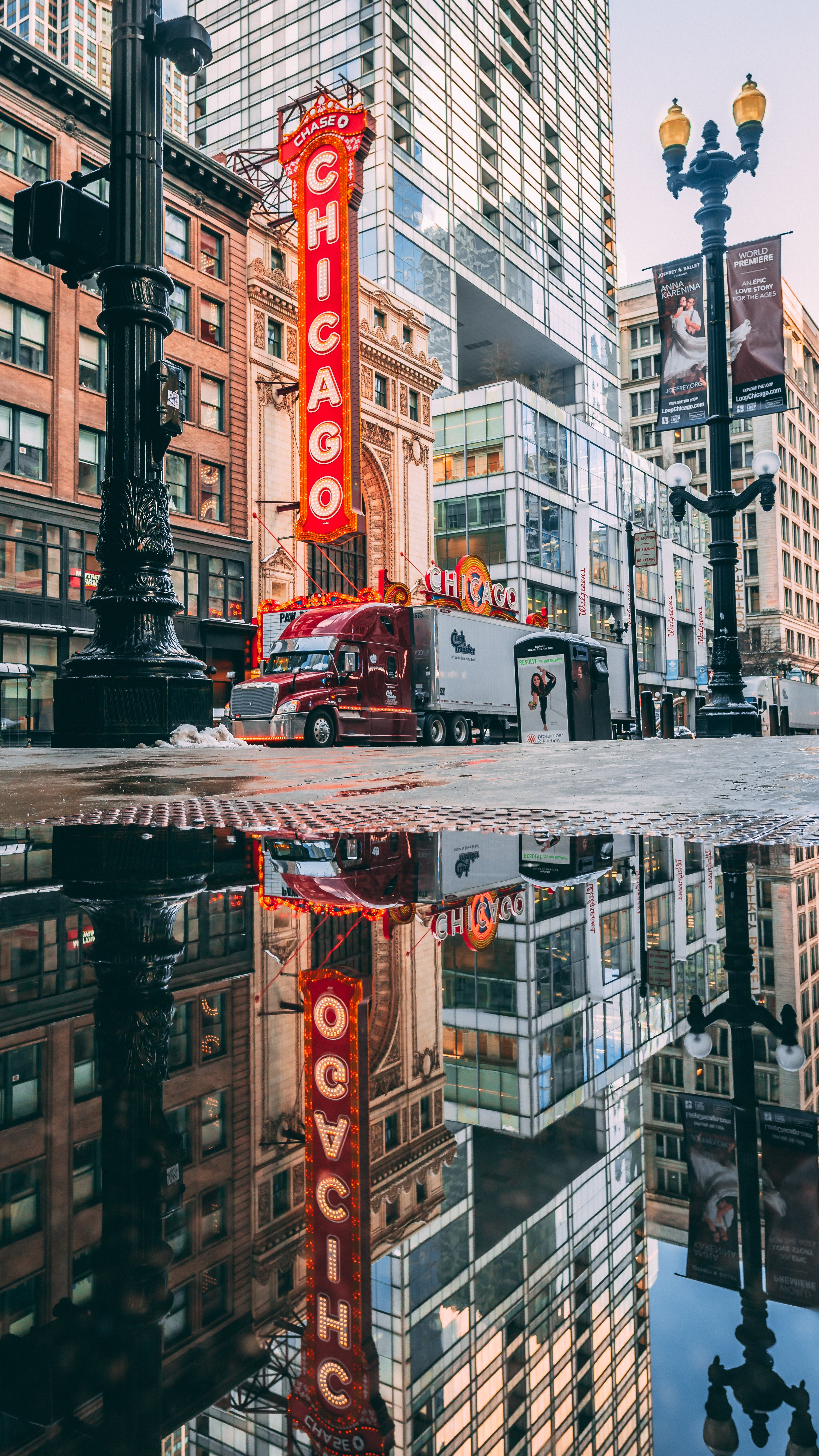 Free stock photo of architecture, chicago, chicago theatre, chitown