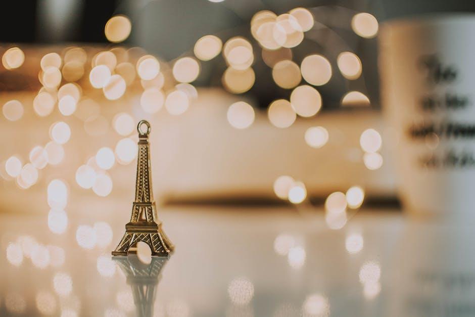 Mini eiffel tower pendant
