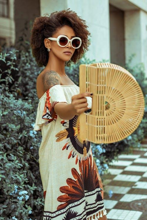 Immagine gratuita di abito, acconciatura, alla moda