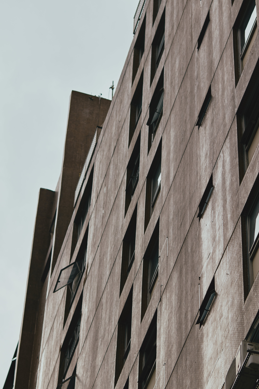 Foto stok gratis Arsitektur, barang kaca, bidikan sudut sempit, Desain