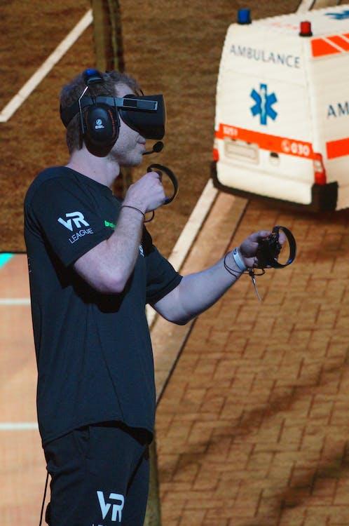 ESL, oculus, Onward VR