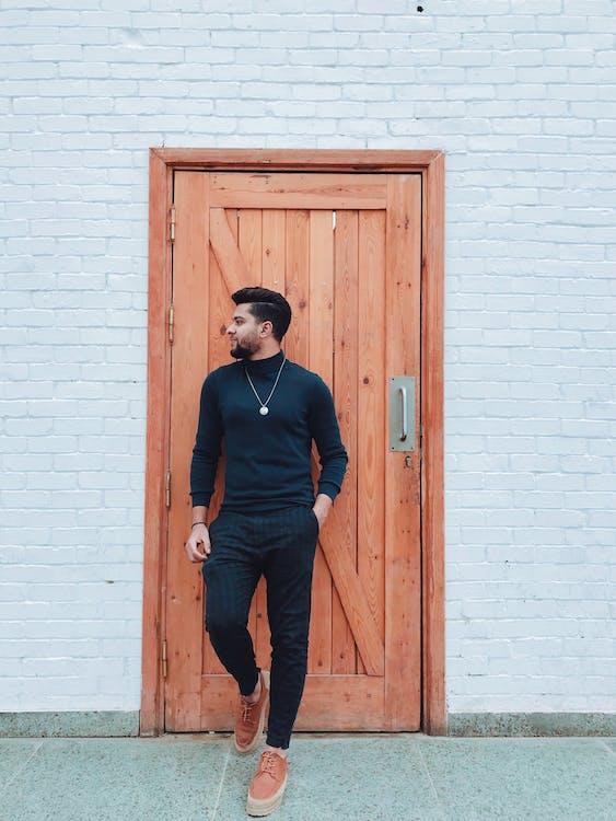 Men's Black Zip-up Jacket