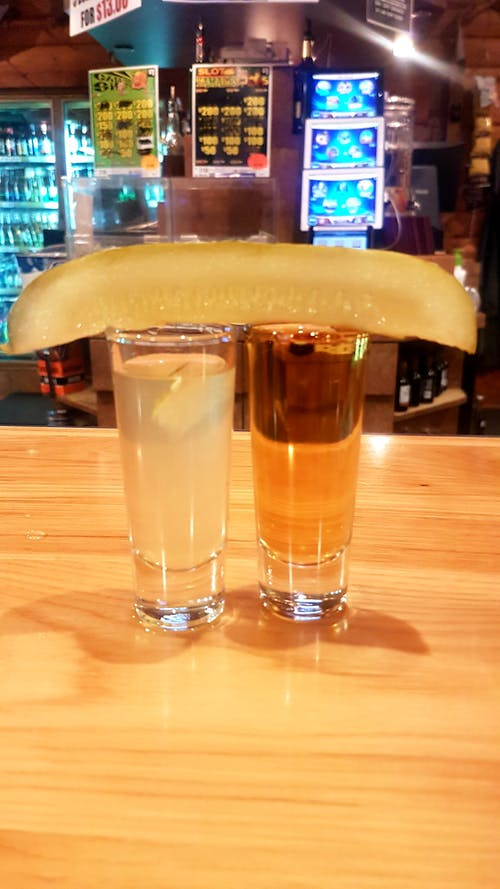 Gratis stockfoto met #whiskey #pickle #bar