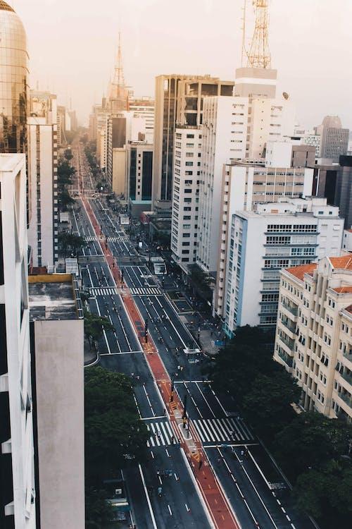 การถ่ายภาพโดรน, ตัวเมือง, ตึก