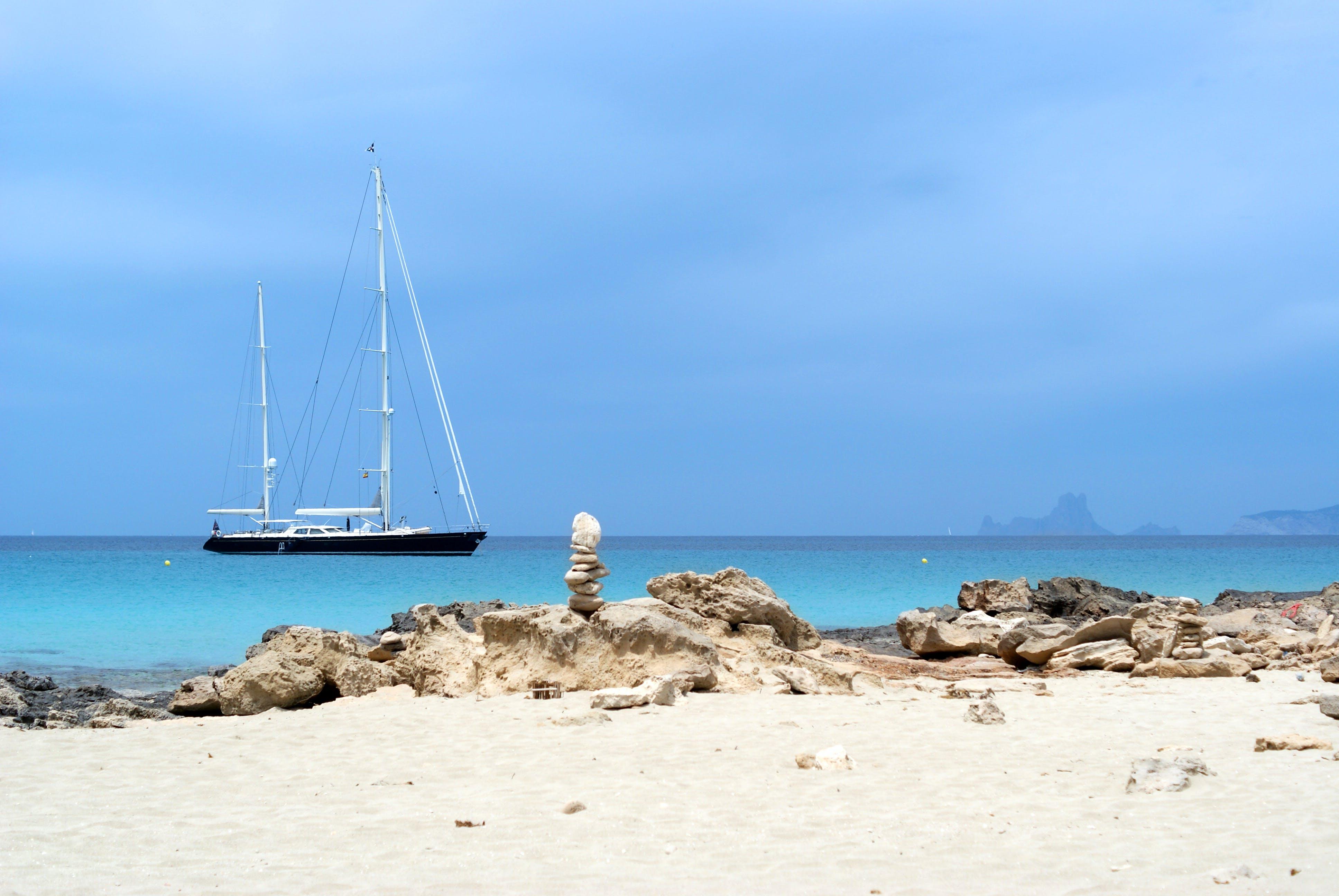 Free stock photo of boat, cloudey sky, mediterranean, mediterranean sea