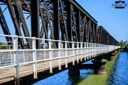 Fotobanka sbezplatnými fotkami na tému starý oceľový most