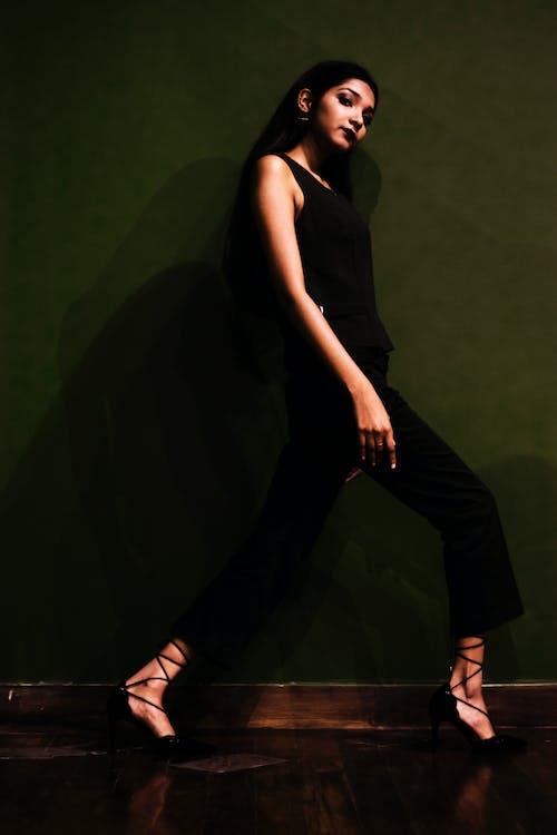 Základová fotografie zdarma na téma fashion modelka, formální, formální oblečení, glamour