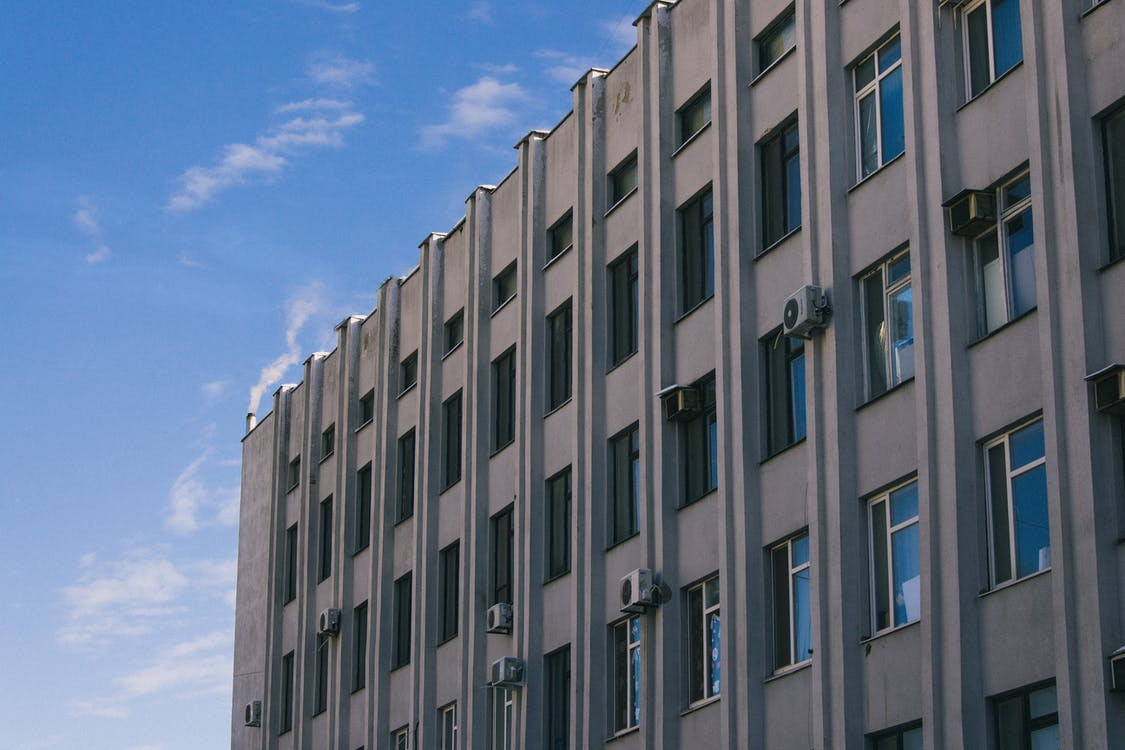 blå himmel, by, bygning