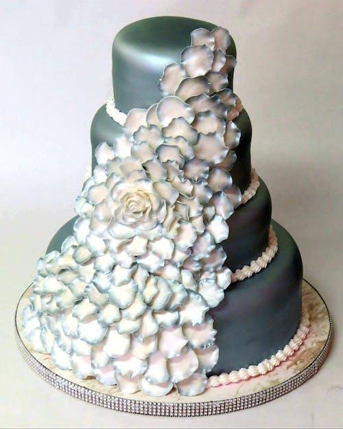 คลังภาพถ่ายฟรี ของ #cake #wedding #wedding cake #flowers #silver # de