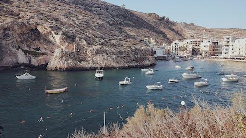 Foto profissional grátis de iate, Malta, mediterrâneo, pedras