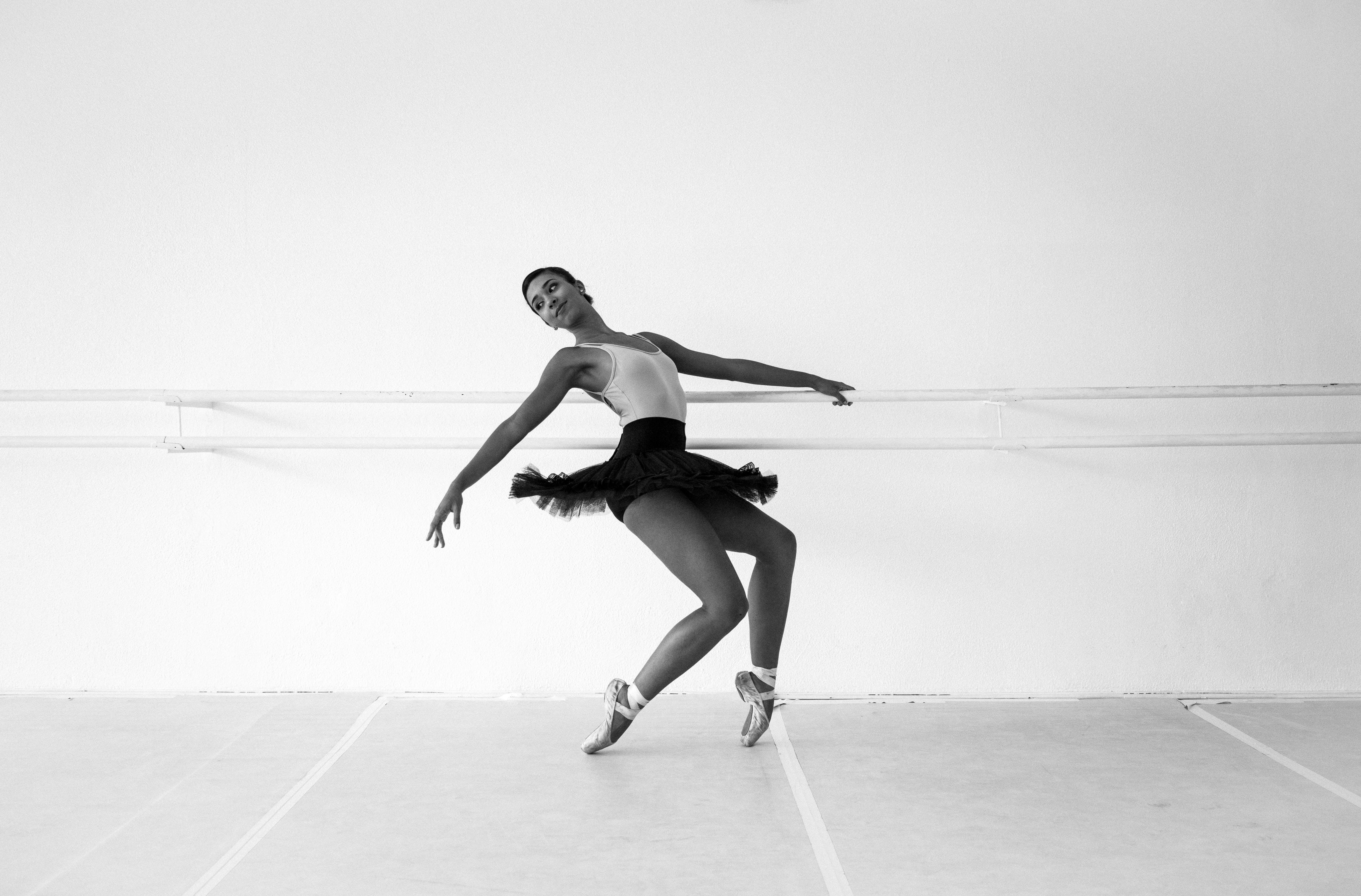 女人, 技能, 擺姿勢, 穿著 的 免费素材照片